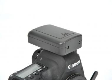 Flash trigger for Canon